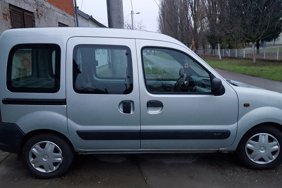 renault kangoo 1 9 dti index oglasi. Black Bedroom Furniture Sets. Home Design Ideas