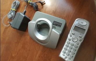 Prijenosni SAMSUNG telefon