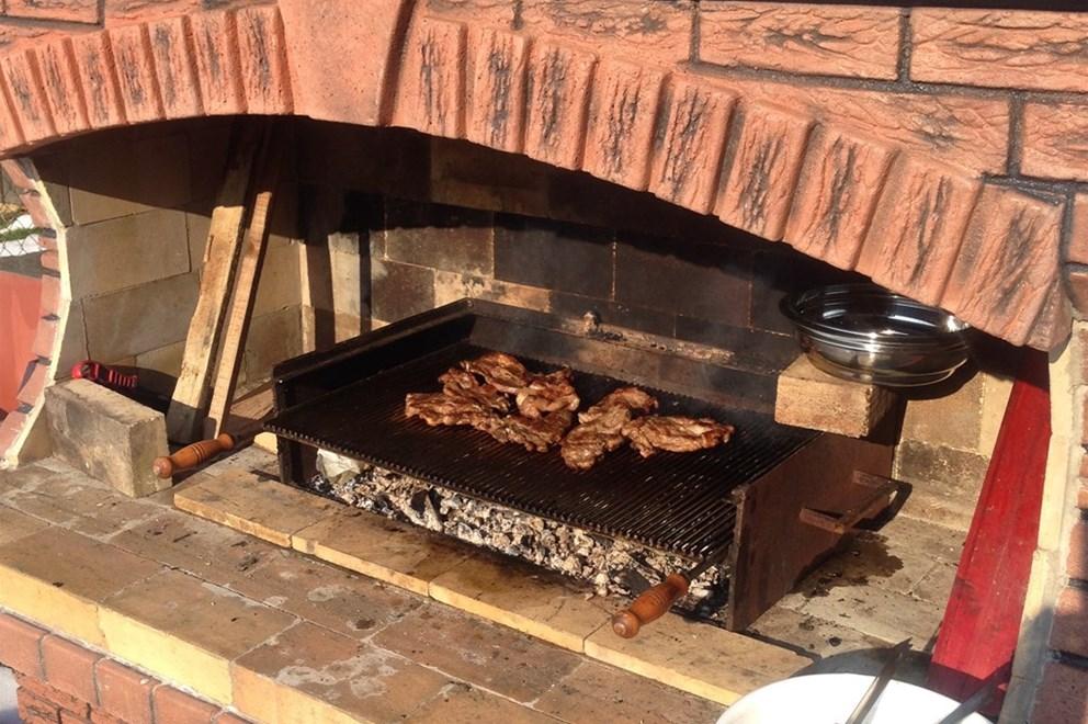 Betonski kamini ,roštilji,pečenjare  INDEX OGLASI
