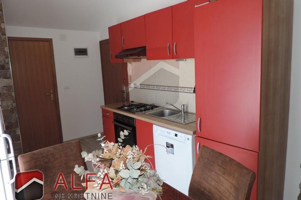 Vodice, prodaje se stan 76.91 m2, sa tri spavaće sobe  INDEX OGLASI
