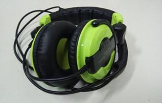 DJ Headphones American audio hp 550