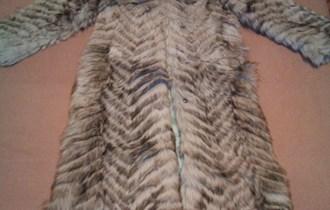 Duga bunda od krzna korejskog psa
