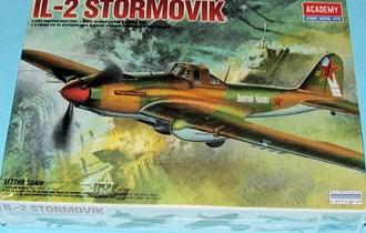 Maketa avion Iljušin IL-2 Stormovik Šturmovik