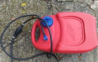 Plastični rezervoar 12l s pumpicom