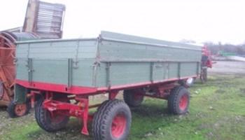 Traktorka kiper prikolica 8 T 2 osovine njemačka druga tandem sa kltnim rudom i pokretnim podom