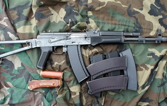 Airsoft puška E&L AKS-74M - replika ruskog kalašnjikova