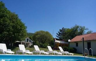 Kuća sa bazenom za odmor i proslave! 15 km od Splita.