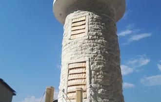 Svjetionik lanterna kamena kuća kamin