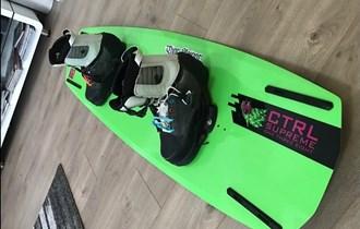 Wakeboard CTRL Supreme 138 i vezovi CTRL The Sx velicine 43