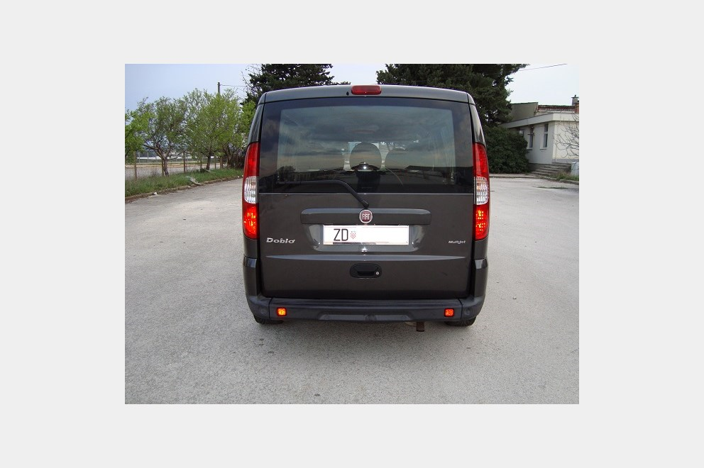 fiat doblo 1 9 jtd multijet 120 ks index oglasi. Black Bedroom Furniture Sets. Home Design Ideas