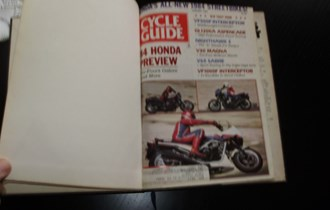 Moto časopisi MOTORCYCLE GUIDE i CYCLE GUIDE ,80 81 GOD. uvezano