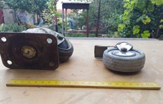 Rabljeni kotači s postoljima, 2 komada
