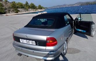 Opel Astra Cabrio .
