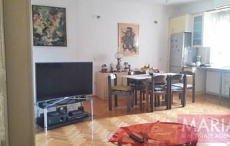 Stan Donji Grad - Domagojeva - 1. kat, 100m2, moguća ordinacija/ured