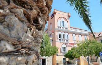 Makarska, hotel na rivi na prodaju