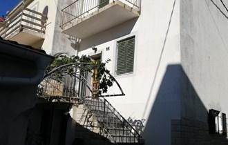 Kuća Novalja 120 m2 na tri etaže, u samom centru mjesta