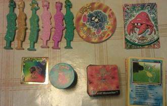 Pokemon igračke - karte, Taso žetoni, animirane sličice, stalci
