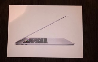 MacBook 2018 i9 2.9GHZ 32GB RAM RADEON PRO 560X VGA AppleCare do 2021
