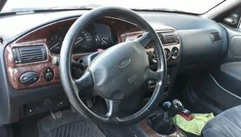 Ford Escort Karavan 1.6 GHIA I 16v