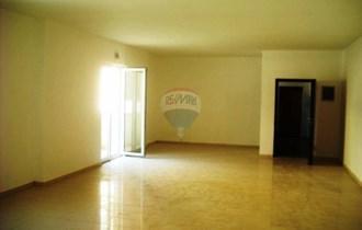 Poslovni prostor/stan u centru Pule, 77 m2