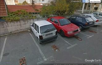Iznajmljujem vanjsko parkirno mjesto, Dugoselska 12, na odličnoj poziciji(kod tramvaja) - ulaz/izlaz odmah na Vukovarskoj