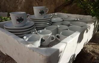 Krigle, čaše i šalice za kavu