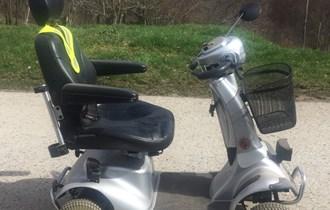 Električno vozilo za invalide