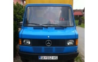 Mercedes 407