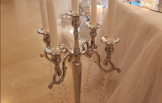 Najam svijećnjaka, vaza i ogledala za svadbene i druge svečanosti
