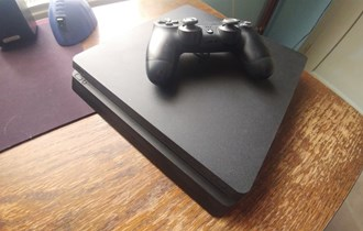 PS4 + IGRE