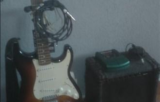 El.gitara sa pojacalom i procesorom