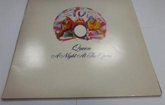 ploča: Queen – A Night At The Opera