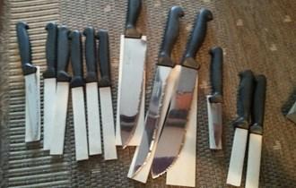 set noževa (12 kom) novi - vrlo povoljno