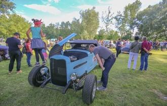 Prodajem Ford  roadster 1932 godina  ručni rad  ,,custom