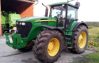 Traktor John Deere 7920