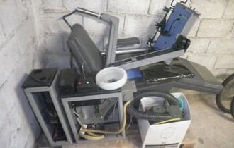 zubarska stolica sa pripadajucom opremom