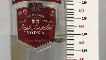 Inventura mjerač pića za Vodka Smirnoff  liquor bottle ruler inventory bar, bar counter
