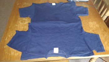 """2 majice \""""Fruit of the loom\"""", S, modre, kratke"""