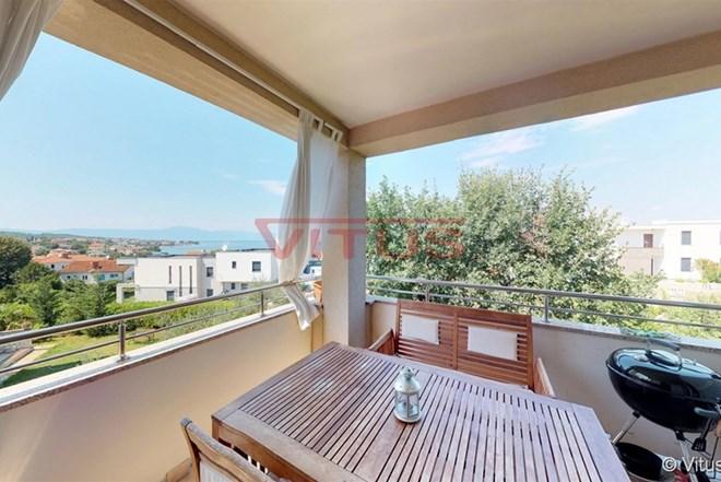 Novouređeni apartman s otvorenim pogledom na more u Malinskoj!
