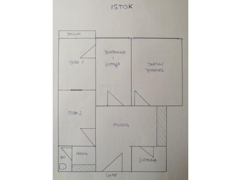 Srednjaci, Braće Domany - funkcionalnih 58m2, 1.kat