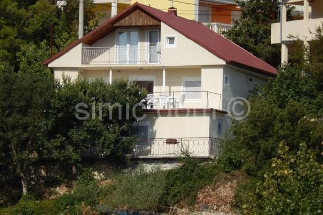 Kuća na mirnoj lokaciji s pogledom na more