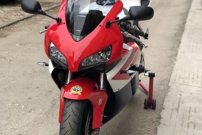 Honda cbr 2004. 999cm3