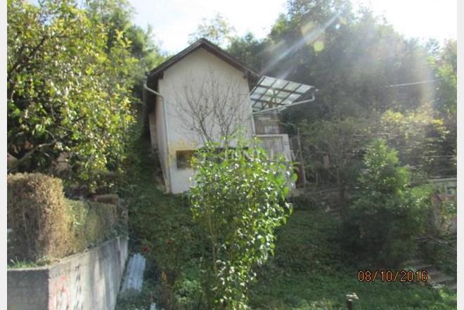 Kuća: Moravče, 84.00 m2