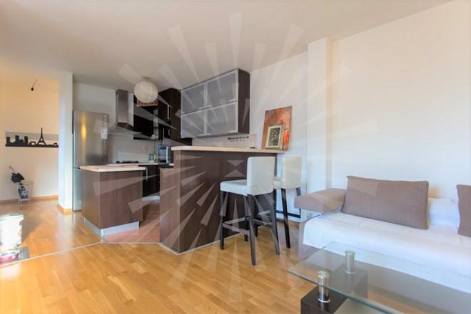 LANIŠTE, odličan trosoban stan s garažom, 73.5 m2, SVE U CIJENI