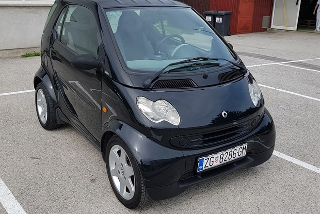 HITNO !!!! prodajem Smart fortwo coupe, 2004 Disel