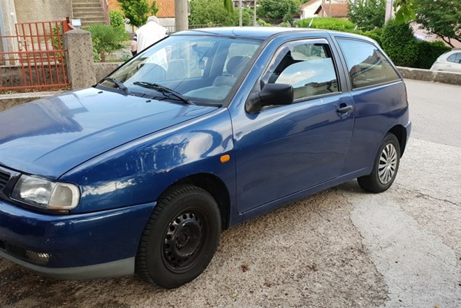 Seat Ibiza 1.4i reg 11mj