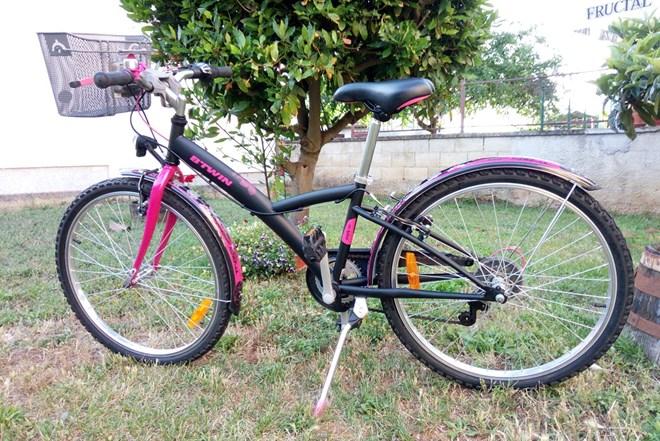 """Dječji bicikl ženski 24"""" POPLY 500 B-TWIN"""
