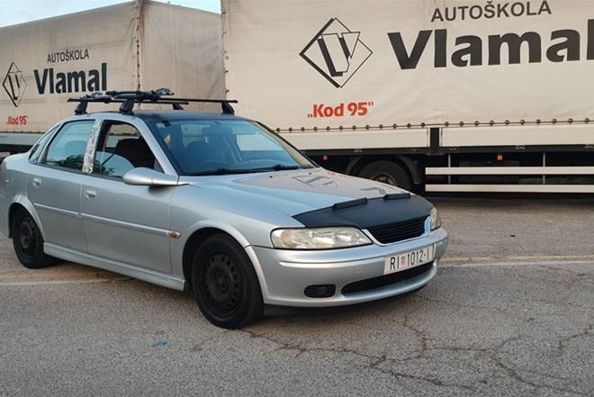 Opel Vectra 1.6 16V **top stanje**