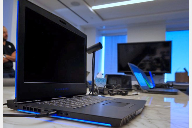 Alienware R15