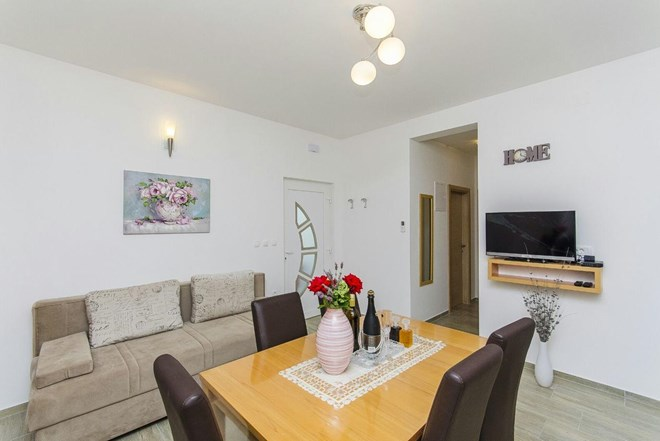 Četverosobni apartman s terasom Split (A-14203-a)